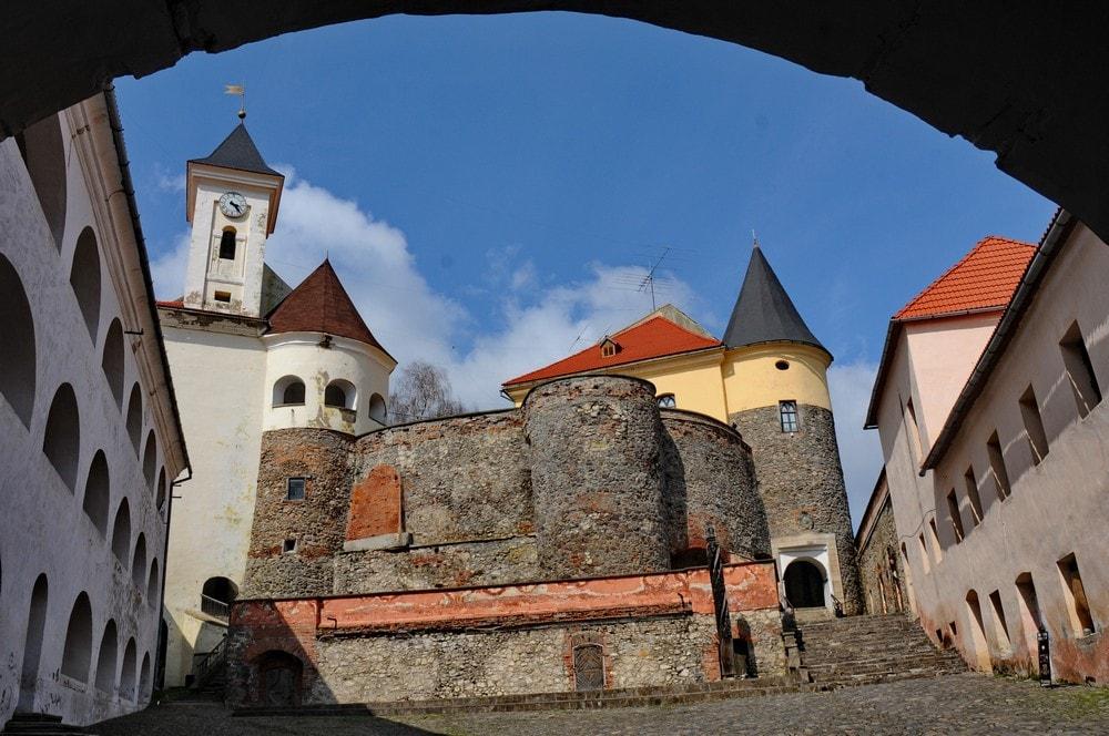 Внутрішній двір замку Паланок